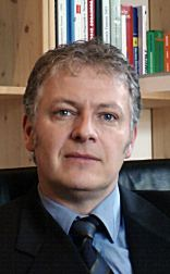 Dr. Jörn Kohnke